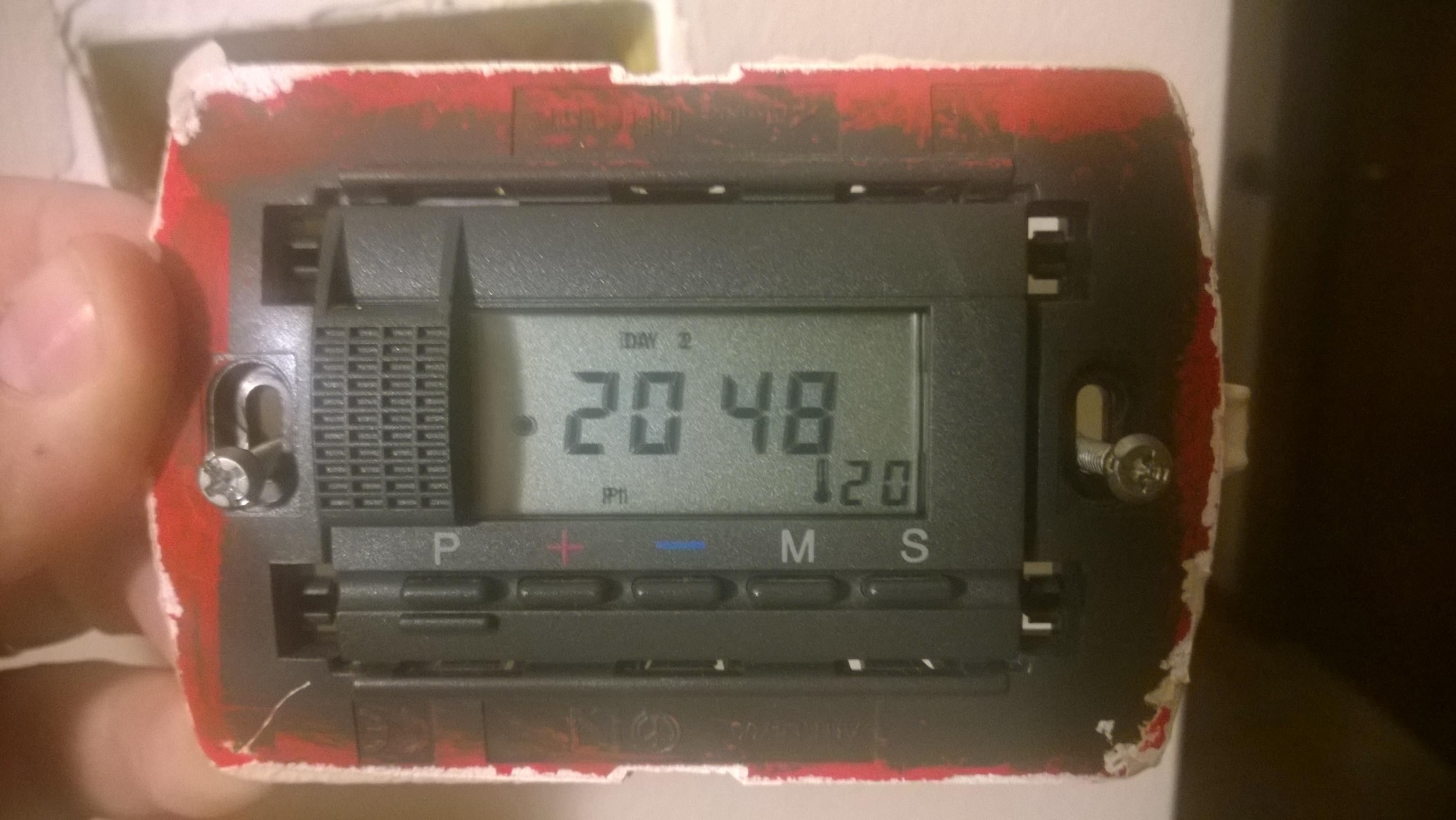 Cronotermostato bticino istruzioni for Istruzioni termostato bticino
